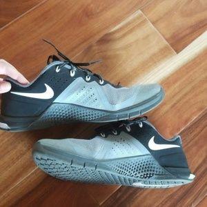 Nike Shoes - Women's Nike Flywire Metcon 2